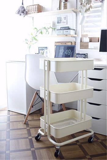 家中で使えます♪これは便利!「キッチンワゴン」の部屋別・すてきな活用術