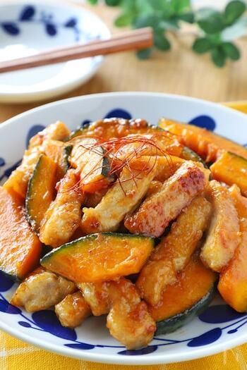 炒めるだけの簡単レシピながら、ご飯が進むボリュームたっぷりのおかずに。他にもおつまみやお弁当のおかずにも使えるので作り置きしておくと便利です。
