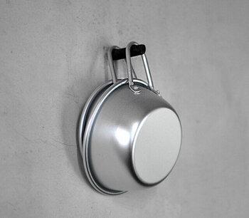 カップとして付いている取っ手ですが、これが収納にも役立ってくれます。大きく輪になっているデザインだから、引っ掛ける時もストレスがありません。吊り下げ収納にぴったりなアイテムです。
