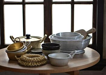 韓国生まれのマッコリカップは、食卓でカップとして使う以外にも、キッチンやインテリアでも大活躍。新しいキッチンツール感覚で、マッコリカップを手にしてみませんか?