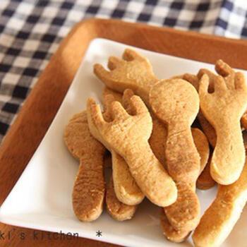 100円均一のクッキー型を使って、こんな可愛いクッキーに。このレシピでは、バターの代わりに植物油を使用しています。