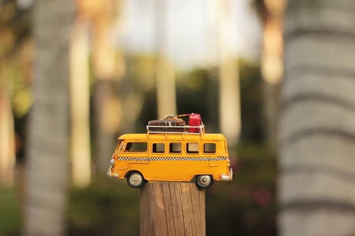 「やっぱりどこかに出かけたい!」と、家でできないことを味わいたいなら、最近注目の「マイクロツーリズム」がオススメ。地元周辺を小さく旅して、魅力を再発見するという旅行の在り方です。
