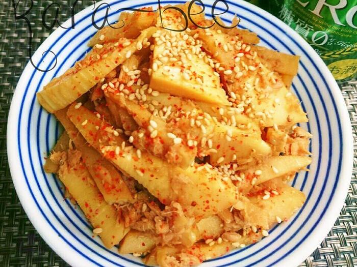 そのままでも美味しいツナとたけのこを中華風きんぴら。おかずやおつまみとしてそのまま食べても、たけの子を小さく切って混ぜご飯にできます。和風のたけのこご飯に飽きたら中華風を作ってみましょう。