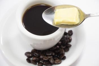 バターコーヒーや料理にも!「グラスフェッドバター」の使い方&おすすめレシピ