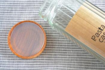 別売りですが専用のシリコンシールもあり、フタに装着することで、さらに密閉力が高まります。取り外しも可能なので、こちらもフタと同様に水洗いができ、いつでも清潔に使えるのでより衛生的で、しっかりと保存ができます。