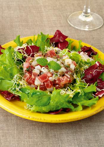 見た目もおしゃれで、特別な日やゆっくりお食事を楽しみたい日にピッタリな一品。岩塩×オリーブオイルはとっても美味しいので、全体をさっと混ぜながら食べるのが◎。