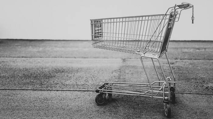 ヴァセリンは主にドラッグストアで販売されているのを良く見かけますよね。調べてみたところ、会員制倉庫型店として人気の「コストコ」では様々な種類のヴァセリン商品が購入できるということで、ヴァセリンシリーズのファンに人気のようです。日によっては割引された値段でお得に購入ができるようなので、良くコストコに行かれるという方はこちらも是非チェックしてみてくださいね!