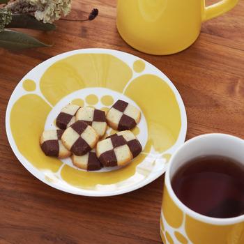 コロンビアやグアテマラ、ブラジルなどの中南米産のコーヒーは酸味が強く、はっきりとした風味が特徴。そのため、ほどよい甘さとまろやかさのあるプレーンなクッキーやビスケット、パウンドケーキといった焼き菓子とよく合います。家事や仕事の合間に、ちょっと一息つきたいシーンにもおすすめです。