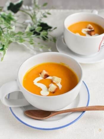 かぼちゃはレンジで加熱し、泡立て器とゴムベラを使ってペースト状にするのでミキサーやブレンダー不要♪全ての工程がレンジでOKなので、とても簡単です。