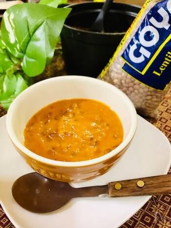 レンズ豆のおいしさが存分に味わえるスパイシーなトマトスープ。食べ応えがあり、栄養もたっぷりの満足スープです。