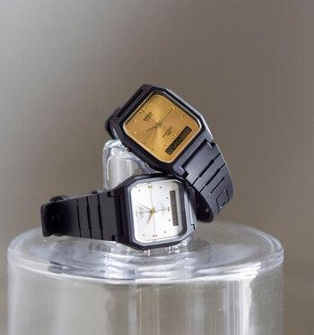 こちらはカシオのユニセックスで使える腕時計。八角形フェイスとゴールドの文字盤は女性らしい雰囲気がありますよね。スマートなデザイン、そして多機能でありながらお値段はとってもリーズナブル。毎日身につけたくなる腕時計です。