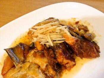 魚料理は骨が面倒で…なんていう家族には骨ごと食べられるこちらのレシピをどうぞ。しっかりとした味付けはごはんが進みます。下処理を丁寧にすることでできあがりが格段に変わりますよ。