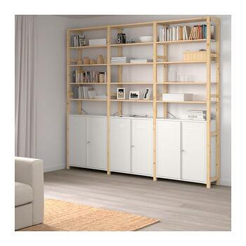 3セクション以上のイーヴァルシリーズは、たっぷりしまえる大容量の収納棚を探している方におすすめです。こちらは下のキャビネットに錠と鍵が付いているため、大事な書類や子供に触られたくないものなどが保管できて便利です。キャビネットにしまうことで、ほこりや汚れからも守ってくれますよ。ホワイトカラーがお部屋を明るく、爽やかに見せてくれます。