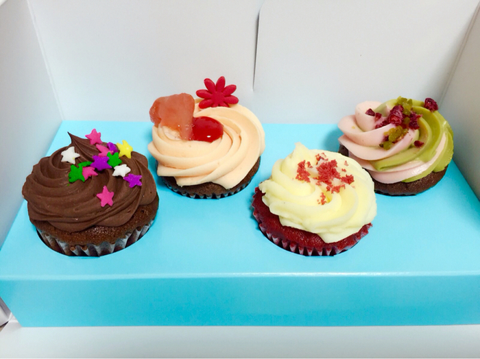 ロンドンで人気No.1のカップケーキ専門店「LOLA'S Cupcakes(ローラズ・カップケーキ)」が原宿にあります。季節のイベントなどをイメージしたデコレーションは、ワクワク感が高まる華やかさ。