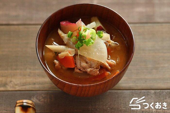 食べる直前に味噌を加えるので、風味や香りがとんでしまうことなく、いつでもつくりたてのおいしさを味わえます。