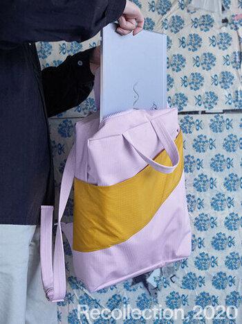 「SUSAN BIJL(スーザンベル)」はカラフルな配色が人気のブランド。エコバッグやポーチが定番ですが、バックパックはおしゃれなデザインはそのままに、機能性も◎。コンパクトなサイズ感は、必要なものはきちんと収まりPCバッグとして最適です。