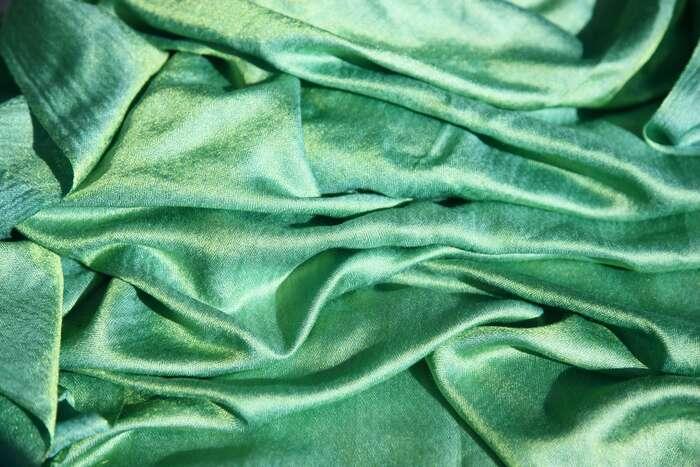 個性派カラーで差をつける!「グリーン」で作るリラックスコーデ