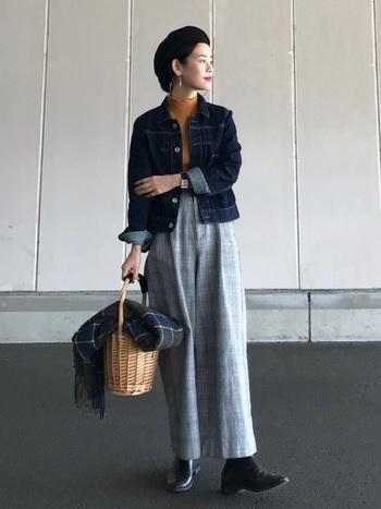 チェック柄のワイドパンツなら手軽にマニッシュコーデを楽しむことができます。マニッシュの定番アイテムであるテーラードジャケットやシャツ、ローファーなどとも相性が良いのでマニッシュコーデ初心者さんにもおすすめ!ボルドーやネイビー、モスグリーンの靴下をパンツの裾からチラ見せするのもおしゃれ。