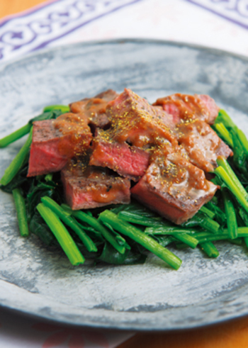 山椒味噌にバターをきかせるのもおすすめ。山椒が豊かに香るステーキは、ひと味違う贅沢な味わいです。大人のテーブルにぜひいかがでしょう。