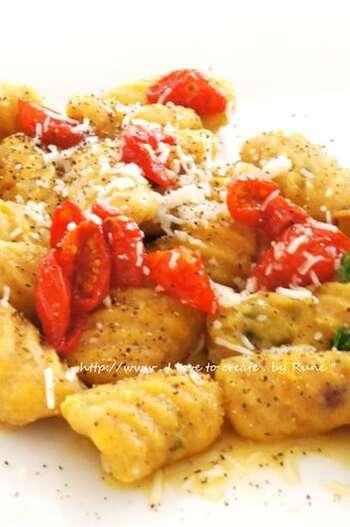 もちもち美味しいカボチャニョッキを全粒粉で作るレシピ。こちらのドライトマトのオイルの他に、クリーム系など他のソースなどでも楽しめます。小麦の栄養を丸ごと食事でもとれる一品。