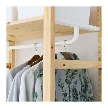 イーヴァルを主に洋服の収納棚として使っていきたい方、クローゼット内に設置することを考えている方におすすめです。シンプルでスタイリッシュな見た目です。