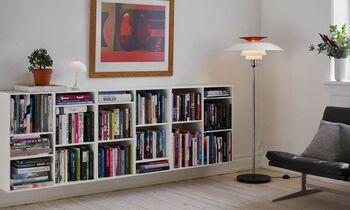 部屋の隅に置いても目を惹くPHフロアランプ。まるで海外ドラマのオシャレな部屋のように絵になるデザイン性の高さは、誰もがうっとり。「対数螺旋」と言われるカーブが織り成すシェードの美しさは、リビングや寝室など、場所を選ばずモダンな部屋に仕上げてくれます。