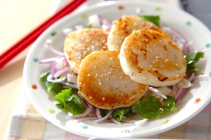 ゆず胡椒は、ぜひドレッシングに使ってみてください。いつもとはひと味違う美味しさ。サラダはもちろん、マリネにソースに大活躍間違いなしですよ。
