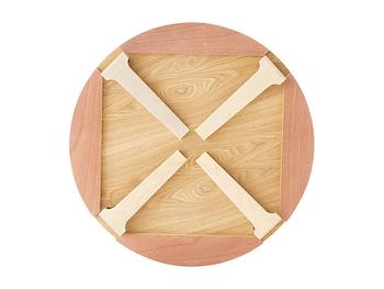 こちらも折り畳み可能。約12kgでお部屋に運ぶのも簡単なので、ひとつあると便利に使えそうです。