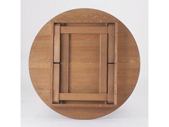 柾目材ならではのかっこいい木目の表情が生かされていてとても素敵。収納時も無駄がなく、お見事です。