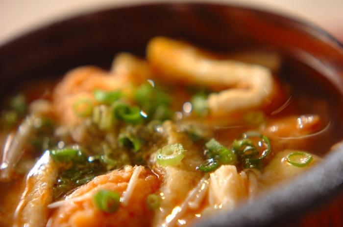 ふわふわのつみれから鮭のエキスが染み出してとってもおいしい♪油揚げをプラスしてコクをアップ。