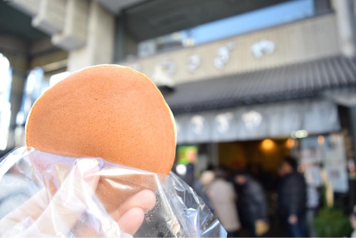 東京三大どら焼きに選ばれた有名どら焼き店「うさぎや」。御徒町駅から徒歩5分ほどの場所にあります。