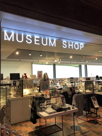 ミュージアムグッズマニアのなかでも評価の高い東京美術館ミュージアムショップでは、美術品や工芸品・ファッション・アクセサリー・文具・生活雑貨まで多種多様なアートグッズが揃います。