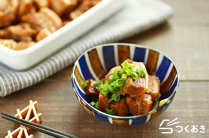 ひと口大で食べやすい角煮。今回は短時間でできる圧力鍋を使った調理法を紹介していますが、普通のお鍋でもじっくり弱火で煮込むことでやわらかく仕上がります。