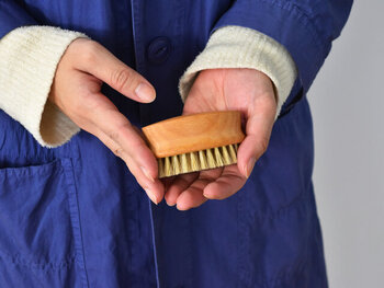 専用のブラシがあれば、布にも優しく、一度に広い範囲をきれいにすることができます。握りやすくルックスも可愛いこんなブラシがあれば、毎日の手洗いも楽しみになりますね。