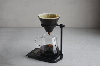こちらはSLOW COFFEE STYLE Specialty(スローコーヒースタイル スペシャルティ)のドリップセット。スタンド・フィルター・ブリューワー・サーバー・ホルダーの5点がセットになっているので、コーヒーさえ用意すればすぐにドリップを始められます。同じシリーズで揃えたいという方は、こちらがおすすめです。