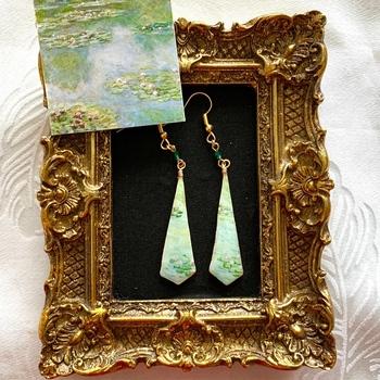 モネの『睡蓮』をイメージした淡いグリーンのピアス。 【耳元の美術館】というシリーズ名も素敵ですね。他の作品も集めたくなっちゃいます。