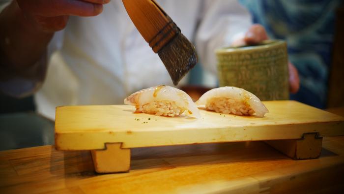 手際よくお寿司を握る姿を間近に見られるのは、大人になってもわくわくしますよね。