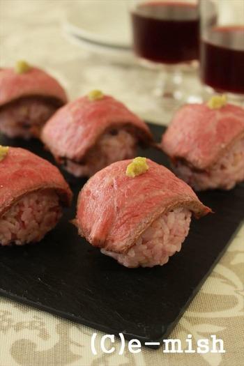 七五三は和食に拘らなくても大丈夫。ワイン好きな両親を招く家庭では、ローストビーフの手まり寿司を用意してはいかがでしょう。生魚が苦手な子どもがいる家庭にもおすすめのレシピです。