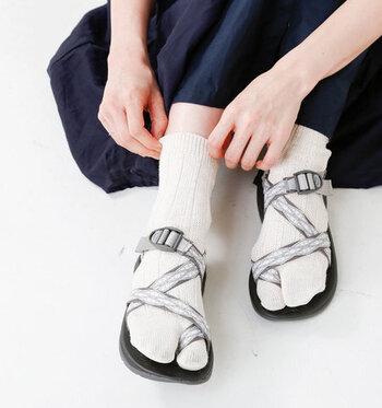 形には意味がある◎機能的な「足袋ソックス」をデザイン別にご紹介