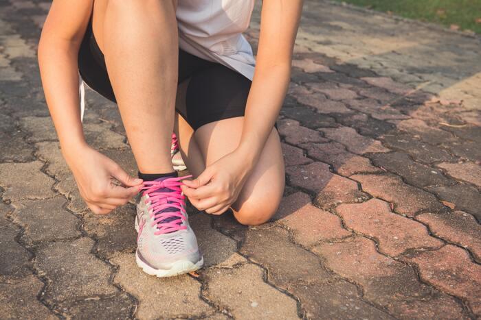 歩くことにより下半身に筋力がつくのはもちろん、重心移動を行うので体幹や腕など上半身もしっかりと使うことができます。歳を重ねるごとに筋肉量は減少傾向にあると言われていますが、ウォーキングを行うことで筋肉量を維持する効果は十分に期待できるでしょう。