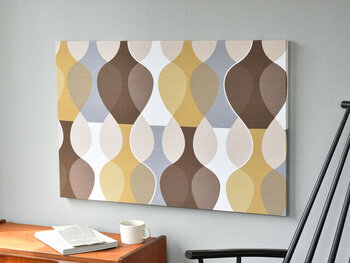 波のようなデザインが連なった、幾何学模様のようなモダンなデザイン。スウェーデンのデザイナー、Mona bjork(モナ・ビヨルク)による「MALAGA(マラガ)」という作品です。
