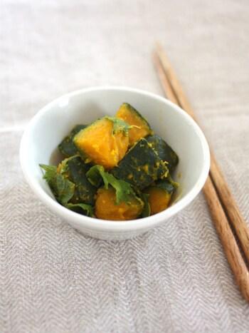かぼちゃの自然な甘さが引き立つ塩煮。最後に米酢を加えることで、すっきりとした味わいになります。あと一品欲しい時にぴったりのレシピです!