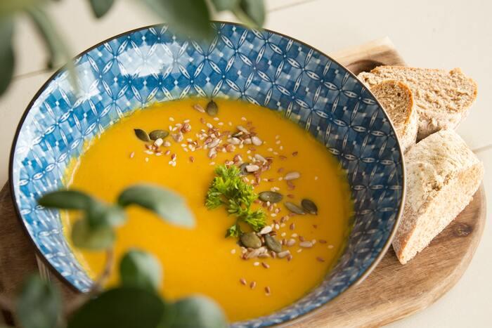 時間に追われているとパンやおにぎりだけで済ませてしまうことはありませんか?そんな時に1品添えたいのが、レトルトのスープやお味噌汁。野菜が入った物が多いので、これだけで栄養バランスがぐっと良くなりますよ。