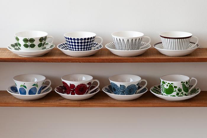 スウェーデンの陶器ブランドで長く愛され続けているティーカップ&ソーサーです。レトロシックで華やかさもあり、北欧テイスト好きにはたまらないデザインです。程よく大きさがあり、広がった飲み口は紅茶の色と香りをしっかりと楽しむことができます。