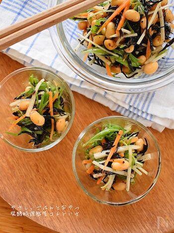 ひじきを醤油麹に漬け込んでいただくレシピ。大豆やその他の野菜とも相性も良く、醤油麹でやさしく美味しいお味に◎1日置いて、翌日にいただいても、さらに美味しいですよ。