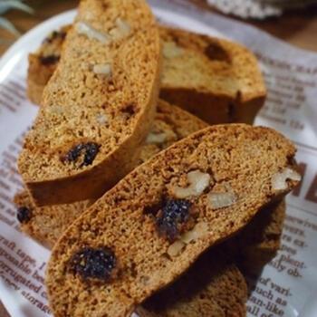 大豆粉のパンケーキミックスを使ったビスコッティレシピ。大豆粉のパンケーキミックスは小麦粉不使用のものもあるので、小麦粉を控えたい方はもちろん、アレルギーがある方もチェックしてみてくださいね。