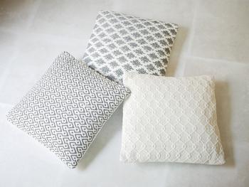 ナチュラルなデザインが素敵なAZUMAYAのクッション。主張しすぎない優しい色合いは、お部屋にワンポイントになりつつ、どんなお部屋にもマッチしてくれそうです。ソファに置いてリラックスタイムに使ったり、ベッドに置いて枕のように使ってもいいですね。