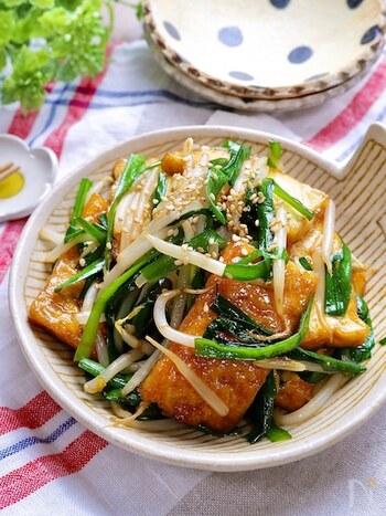 レバーが苦手な方にも試してほしい、レバニラ風の炒め物。お手頃食材ばかりでもボリュームのあるおかずに仕上がる、節約中にも嬉しいレシピです。