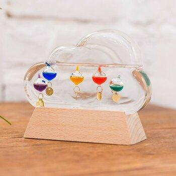 雲の形をしたガラス製温度計です。丸みのあるもくもくのデザインが、お部屋にさりげなくポップなテイストをプラスしてくれます。子供部屋のオブジェにも◎