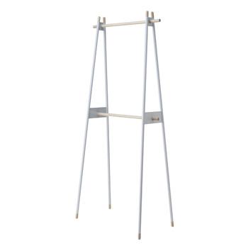 石巻工房の代表でもある建築家、芦沢啓治氏によってデザインされたおしゃれなハンガーラック。上下2段あるから、上は大人用、下は子供用と分けて使ってもいいかも。
